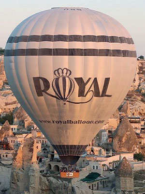 2016 Year Model Cameron Z 425 Hot Air Balloon with license code TC-BRU operated by Royal Balloon and manufactured by Cameron Balloons